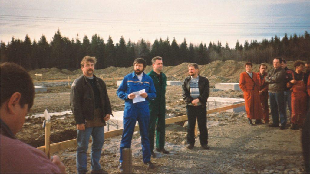 1993 Neubau, Grundsteinlegung