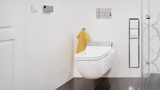 Ein Dusch-WC von Duravit in einem hochwertigen Bad.